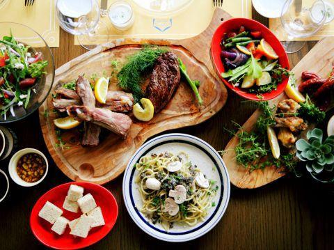 7月15日オープン! 『Nisikimachi garden PARTY PARTY 』 人を笑顔にしたい時、自分が一番笑っている。 大切な人達と幸せな時間、空間、料理をシェアできる素敵で楽しいお店です!  #岡山#岡山駅前#ランチ#ディナー#女子会#ビストロ#オシャレ#ローストビーフ
