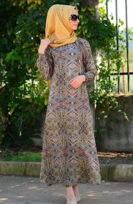 Etnik desenli kapalı elbise