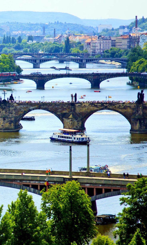 Vista sobre el río Moldava, Praga.  República Checa |