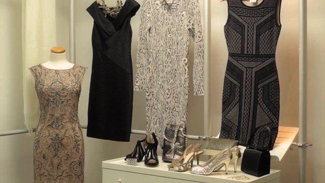 TAPIS ROUGE - Service de magasinage pour vos tenues de soirée Contactez-nous pour les détails 514-521-4734 ou rendez-vous@leseffrontes.com