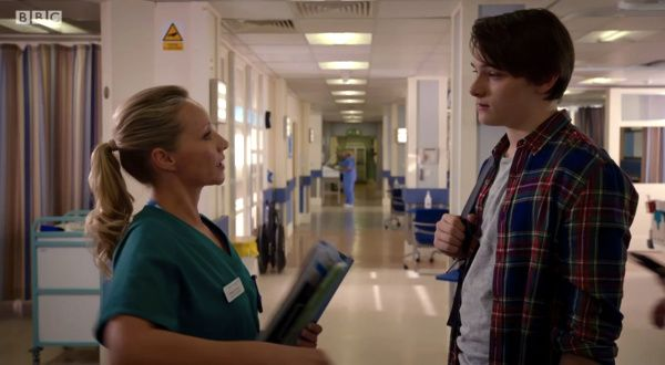 #HolbyCity (19/41) Essie (Kaye Wragg) and Parker (Louis Davison)