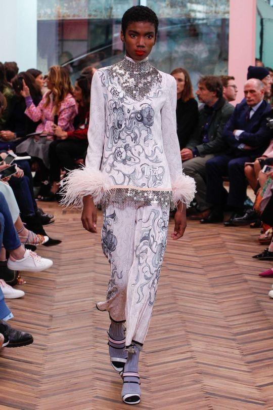 24333e16b1bae 37 best Lady Suit images on Pinterest   Fashion show, Ladies suits ...