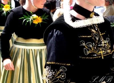 Festival Quimper Cornouaille: Costumes Folkloriqu