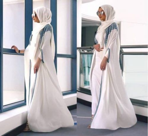white open abaya- Hijabi fashion Bloggers Street looks http://www.justtrendygirls.com/hijabi-fashion-bloggers-street-looks/
