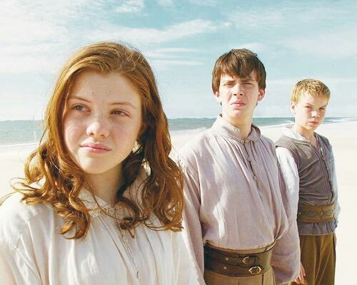 narnia, georgie henley, and skandar keynes image