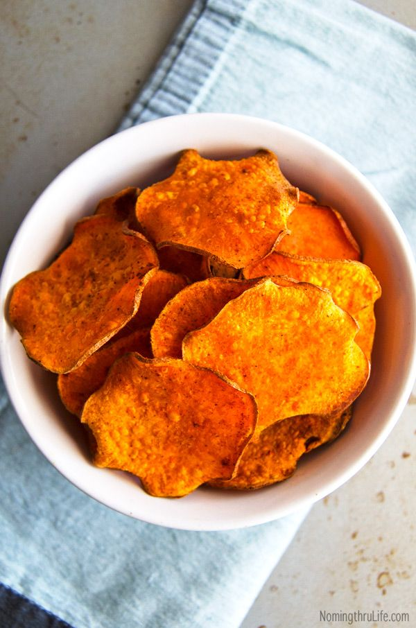 Spicy Baked Sweet Potato Chips - Crisp & crunchy sweet potato chips ...