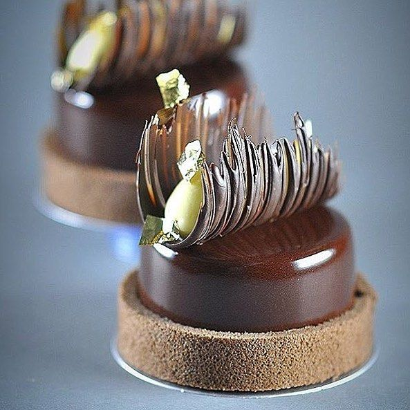 268 vind-ik-leuks, 2 reacties - Okmycake (@okmycake) op Instagram: 'By @fabrice.leblus #okmycake #hotchocolate #jimmychoo #chocolate #patisserie #pastrychef #pastry…'