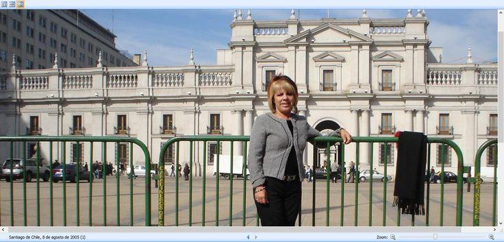 Santiago de Chile, 8 de agosto de 2015. Al fondo El Palacio de la Moneda, sede de los poderes de la República de Chile
