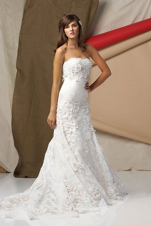 Fashionable A-line natural waist lace wedding dres