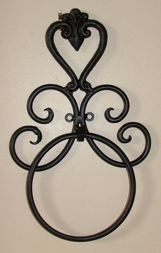 Wrought Iron Bathroom Accessories - Bl/Br - Heart - Wall Towel Ring Black BA09
