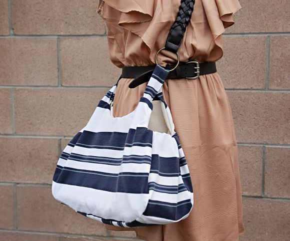 Upcycle an old polo shirt into a stylish bag. Hmm... the mr. has one of these I hate that might look good... muahahah