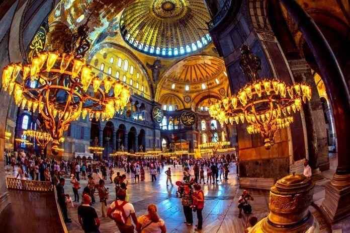 Η ΑΠΟΚΑΛΥΨΗ ΤΟΥ ΕΝΑΤΟΥ ΚΥΜΑΤΟΣ: Στον καθεδρικό ναό της Αγίας του Θεού Σοφίας…