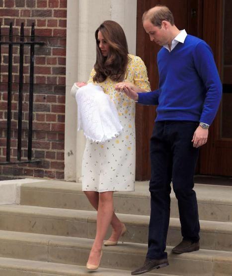 Das sagte Prinz William zu George vor dem Krankenhaus www.bild.de/…