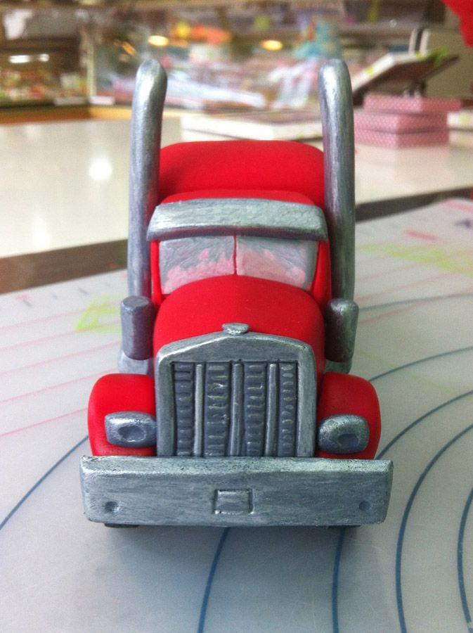 Tarta de camión Peterbilt de fondant #fondant #Peterbilt