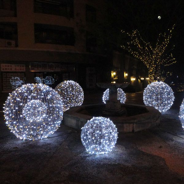 Best ideas about large outdoor christmas decorations