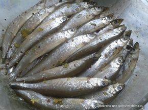 Мелкая рыбка пряного посола