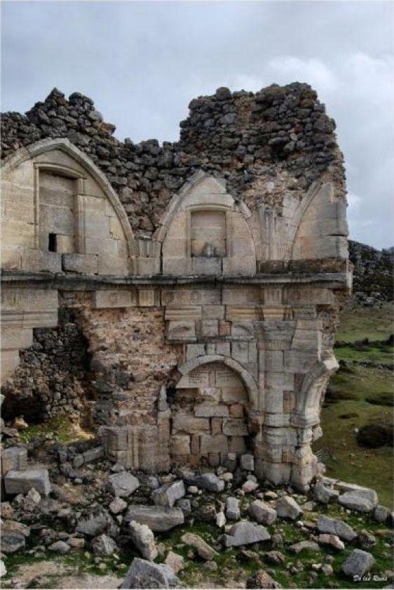 #Labastida. Está en ruinas el Monasterio de NS de los Ángeles del siglo XIV. #Álava vía @patrimonioalava