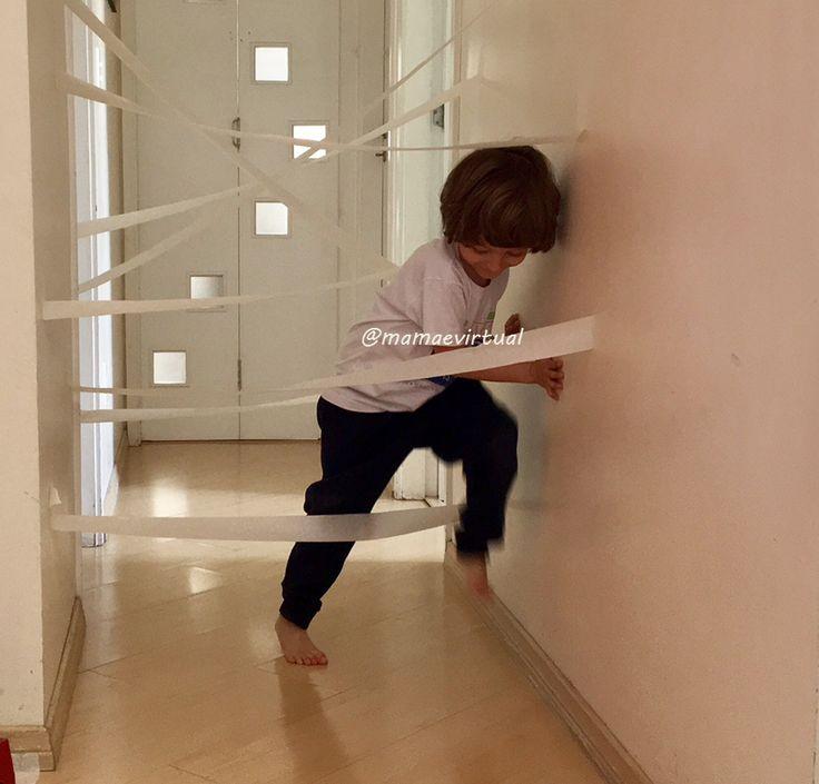 Eu nunca imaginei que eu pudesse fazer brincadeiras com fita crepe, até meu filho chegar. Eles nos ensinam, e nos incentivam a colocar a criatividade para fora. Outra coisa que aprendi com Filipe a…