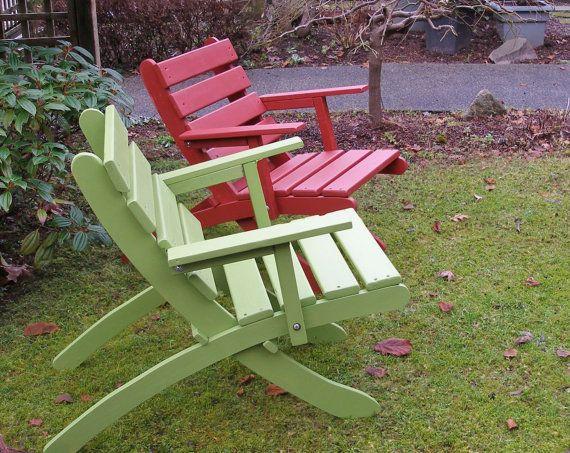 Comfy Folding Cedar Armchair For Outdoor Relaxation