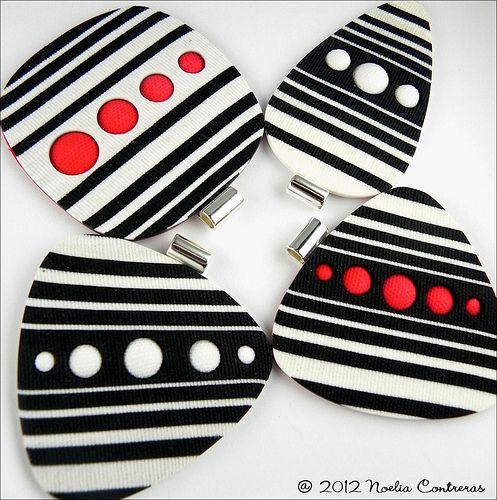 C161 | Colgantes del estilo Circus pero con blanco, negro y … | Flickr