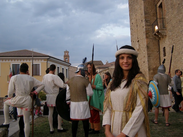 Encenação medieval na cidade de Crecchio (Itália)