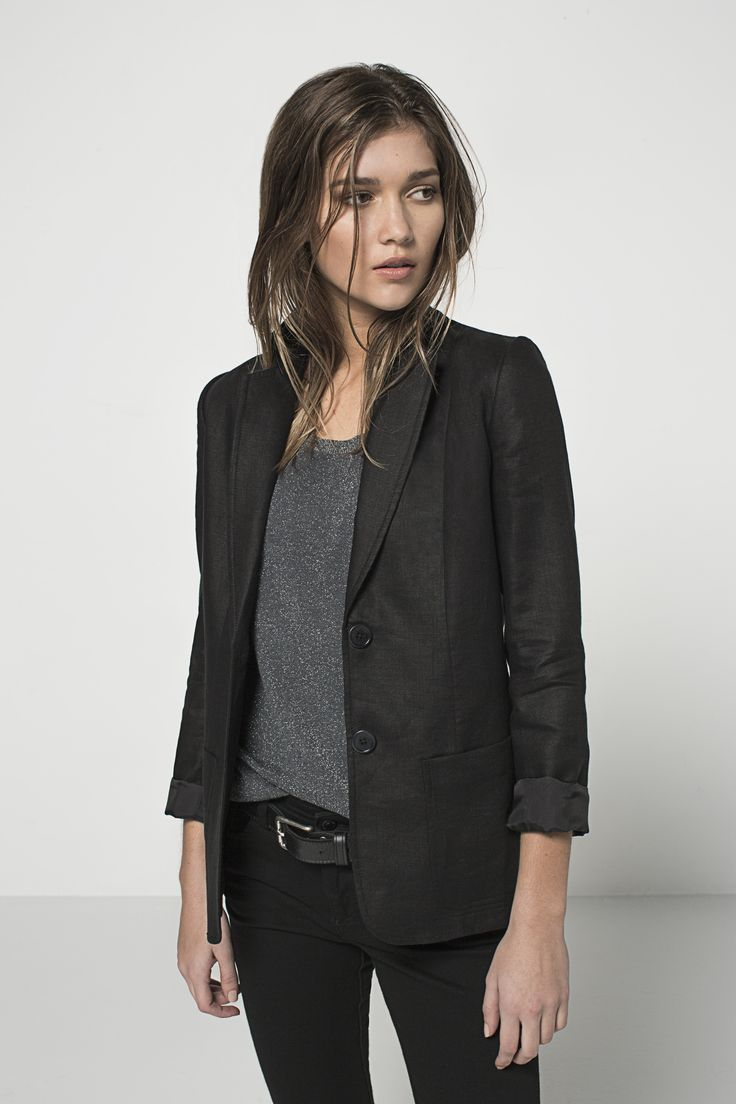 Tailored Two Button Linen Blazer (Black) Lurex Scoop T (Obsidian) Mid Rise Skinny (Black)