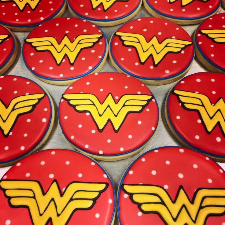 Wonder Woman cookie