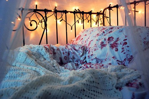 bed with lights-I want to nap here