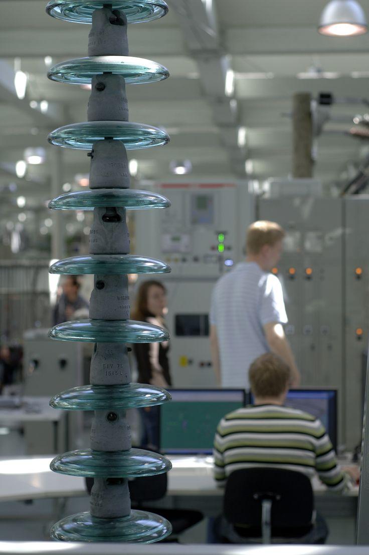 The electrical engineering laboratory at Technobothnia. Photographer: Mikko Lehtimäki