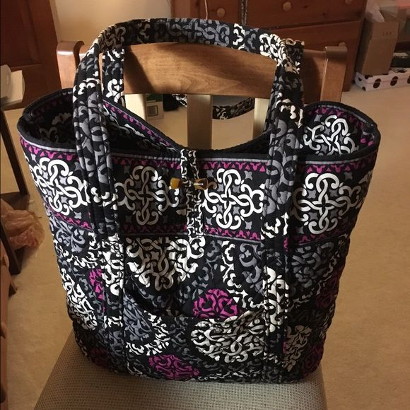 Vera Bradley Tote Bag It's a beautiful design, very gently used Vera Bradley Bags Totes