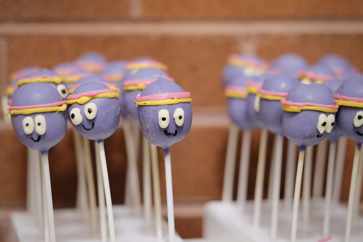 Betty cake pops. Piping chocolate is hard!