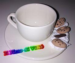 Set di tazzine da caffè decorate con fimo e silicone