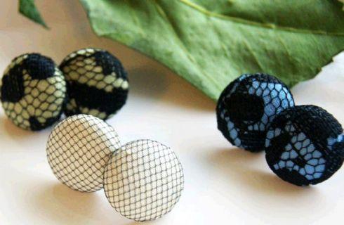 Bijoux fai da te idee: gli orecchini di stoffa e pizzo che belli!