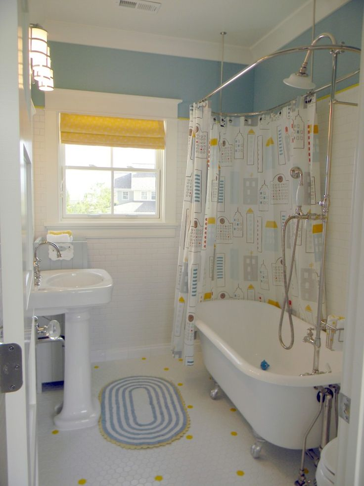 1000 Ideas About Upstairs Bathrooms On Pinterest Masters Of Flip Bathroom