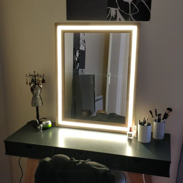 Modern Wood And Led Vanity Mirror Diy Mirror With Lights Diy Vanity Mirror Diy Makeup Mirror