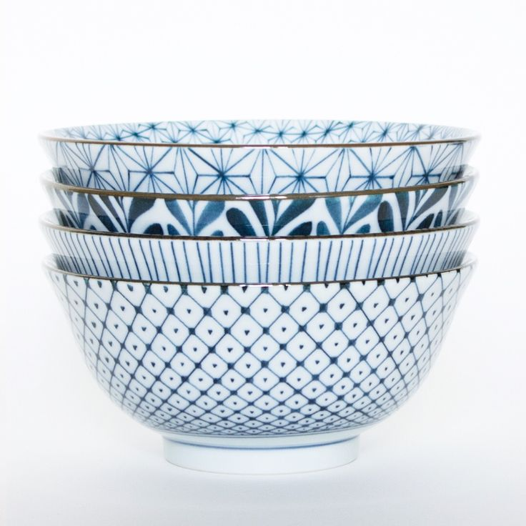 mix and match blue and white bowls