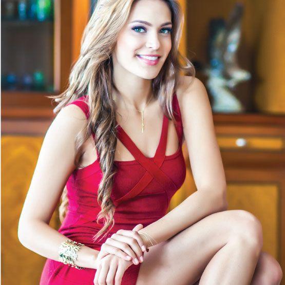 Alejandra Camacho, La reina que enamora por encima de todo una joven alegre y espontánea; una mujer que con su talento e inteligencia puede lograr todo cuanto se proponga. http://www.inkomoda.com/alejandra-camacho-la-reina-que-enamora/