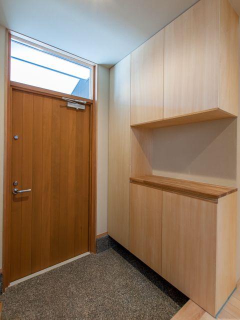 DSC_7229木製断熱玄関ドア、欄間ドア、玄関収納、下駄箱