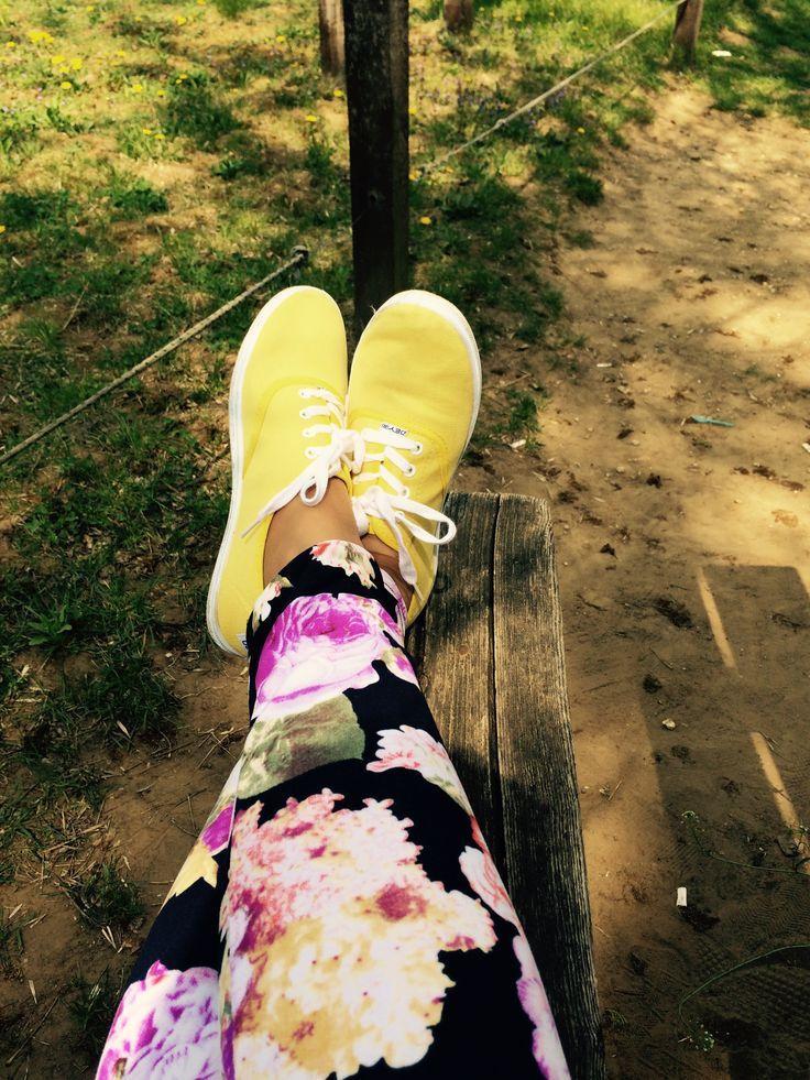 Csupa tavasz új cipő.