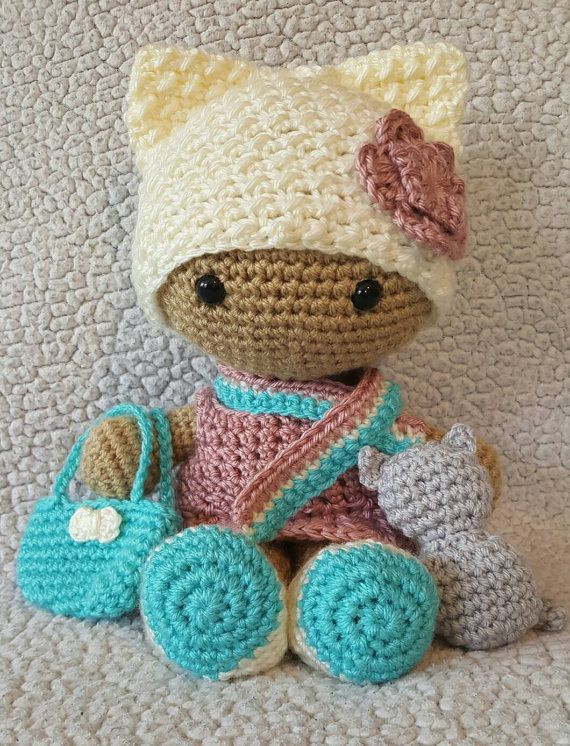 Muñeca de cabeza grande de Kitty de ganchillo, ganchillo muñeca de cabeza…