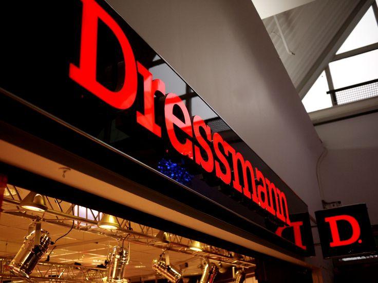 Dressmann retail signage