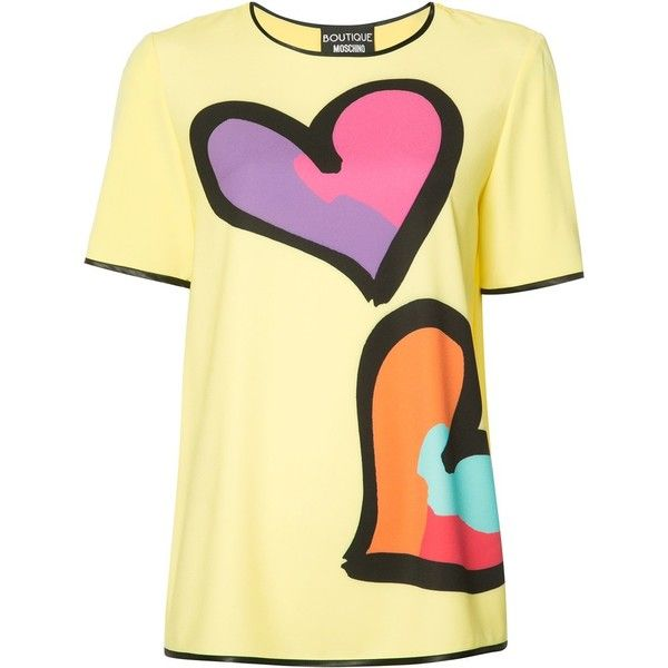 Boutique Moschino Heart Print T-shirt (€300) ❤ liked on Polyvore featuring tops, t-shirts, boutique moschino, beige t shirt, beige top and heart print top