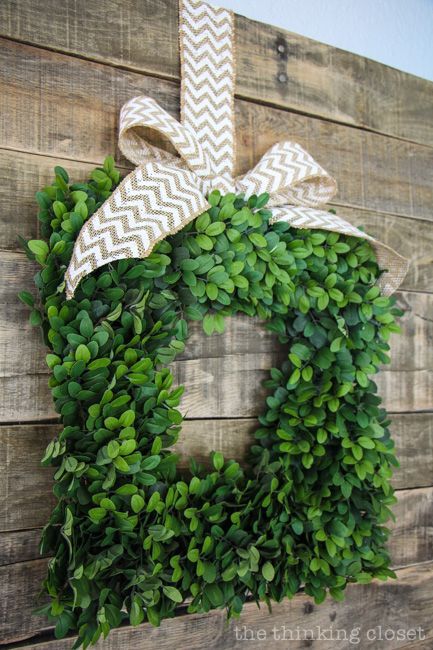 Balsam Hill English Boxwood Wreath: easily transitions from season to season via thinkingcloset.com