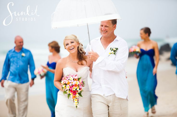 Rainy Gold Coast beach wedding by Sunlit Studios Photography