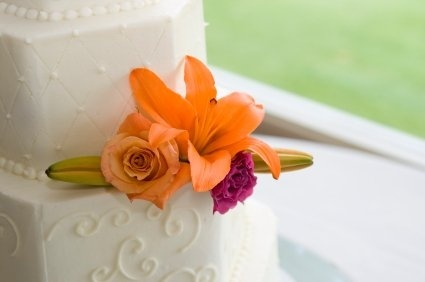 Tiger lily wedding cake sudij
