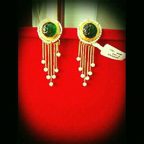 Emerald earing with pearl drops. Best buy www.facebook.com/glistengems