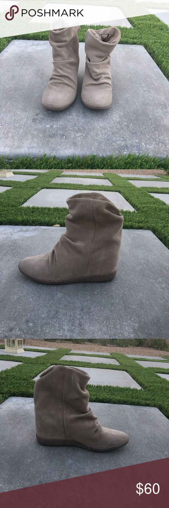 Steve Madden booties Very cute Steve Madden booties! Perfect for a casual date night or girls night out! These booties are suede and super comfy. Steve Madden Shoes Ankle Boots & Booties