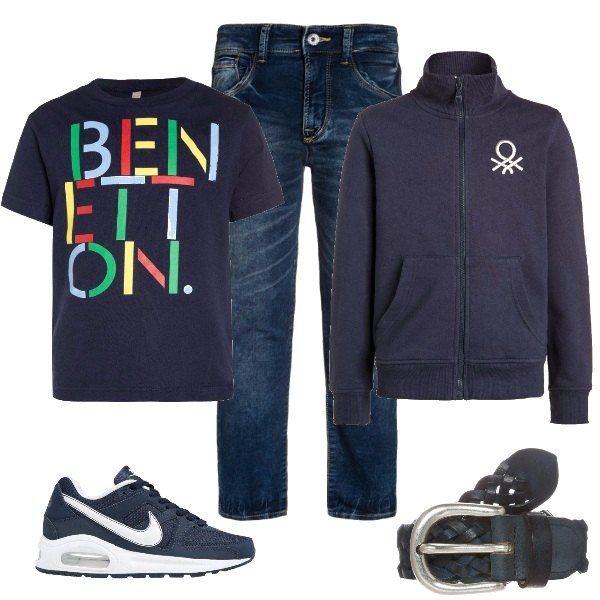 L'outfit+è+composto+da+una+t-shirt+con+logo+ed+una+felpa+con+zip+a+collo+alto,+tutto+Benetton.+Il+look+si+completa+con+un+paio+di+jeans+slim+fit+portati+con+la+cintura+intrecciata+in+vera+pelle+ed+un+paio+di+Nike+modello+Air+Max+Command+Flex+.