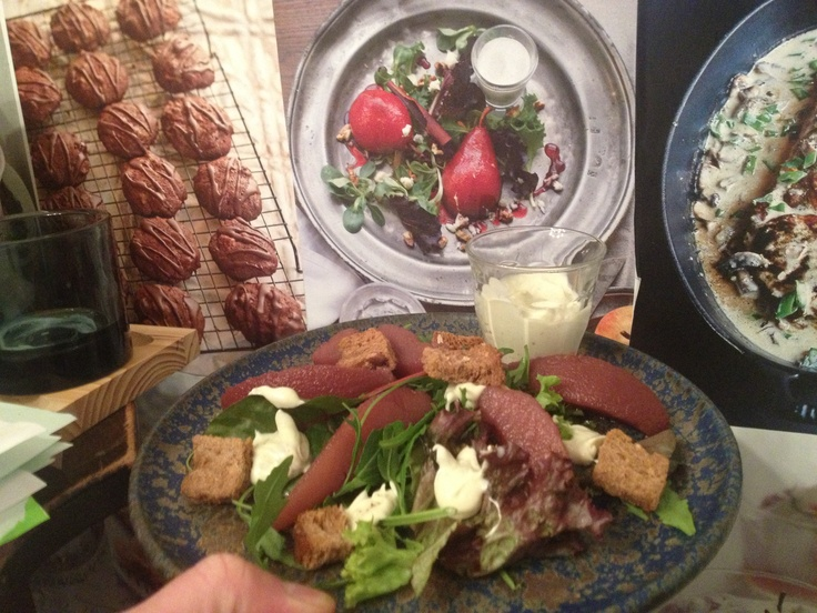 Salad With cooking pears and roquefort dressing.