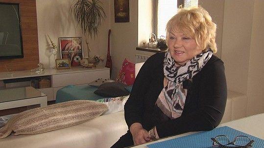 Věra Špinarová pozvala před 14 dny televizní štáb k sobě domů.